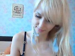 Еще одна милая русская блондинка на вебкамеру
