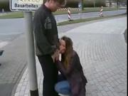 Девушка сосет член парню в разных общественных местах ее города