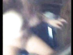 Вебкамера показала как молодая студентка на стуле трахает себя вибратором
