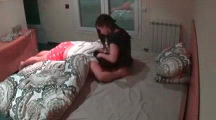 Порно видео на доме скрытая камера