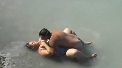 Секс на пляже с толстухами фото 259-558