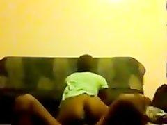 Секс дома молодой чернокожей пары