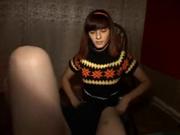 Рыжая студентка Наташа садится на колени и берез в рот