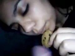 Интенсивный минет с печенькой