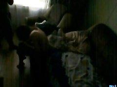 Скрыта камера поймала как парень жестко трахнул свою любимую и кончил ей в рот