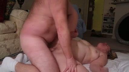 Секс пожилой немецкой пары на диване фото 251-704
