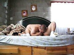 Муж доводит жену до мощного оргазма