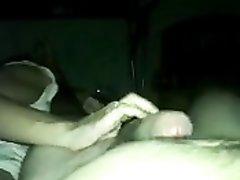 Жена массажирует яйца мужу