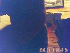 Скрытая камера в душе показывает как молодая студентка принимает душ