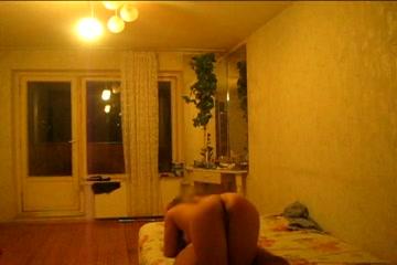Русская проститутка Даша снятая на скрытую камеру