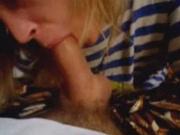 Зрелая жена блондинка сосет агрегат своего мужа