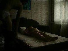 Русский парень снимает свой домашний секс со зрелой любовницей