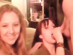 Две подруги сосут один член перед вебкамерой