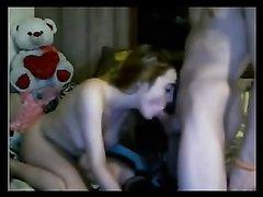 Домашний любительский секс студентов перед вебкамерой в разных позах
