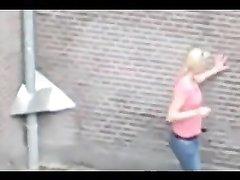 Секс на улице, снятый на камеру мобильного телефона