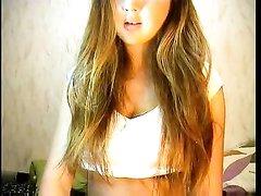 Очень красивая русская студентка на вебкамеру
