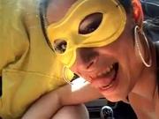 Любительский секс в машине на стоянке