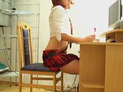 Студентке надоело учится, лучше помастурбировать