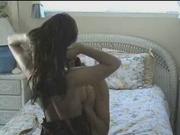 Грудастая красотка затащила в постель коллегу для нежного домашнего секса