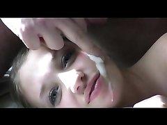 В развратном видео чувак после домашней мастурбации кончает на лицо смазливой подруги
