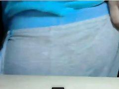 Бразильянка в домашнем видео показывает большие сиськи и круглую попу