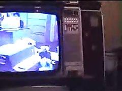 Арабская жена с мокрой киской в домашнем видео села на лицо партнёра для куни