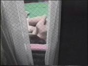 Любительская мастурбация одинокой дамы снимает на видео скрытая камера