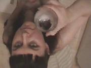 Мастурбация член и минет для глотания спермы из стакана в домашнем видео