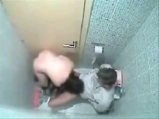 Шлюхи, скрытый секс в туалете
