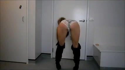 Стриптиз снятый на видео