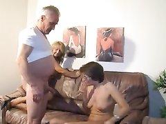 Молодые развратницы домашка, порно категория игры с призер
