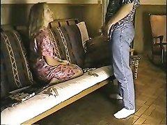 Загорелая любовница просит сделать римминг и соглашается на секс с ухажёром