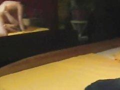 Брюнетка в красном встав на карачки отсосала член любовника перед сексом