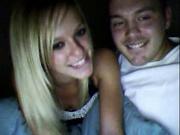 Блондинка с маленькими сиськами онлайн строчит домашний минет на вебкамеру