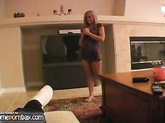 Ласковая домашняя мастурбация члена в горячем видео с молодой блондинкой