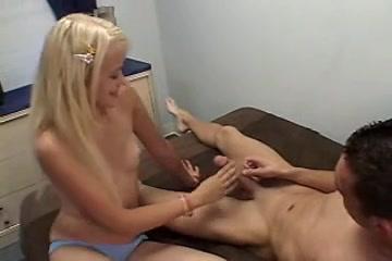 Приятный домашний жесткий секс