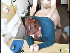 Толстая рыжая красотка любит секс на карачках и сидя на члене с заключительным минетом