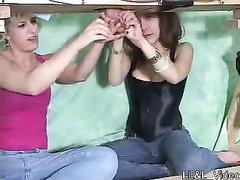 Две госпожи в любительском видео под столом дрочат член у поклонника БДСМ