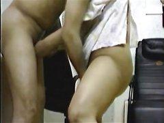 Корейская развратница в домашнем видео лижет попу мужу и просит войти в киску
