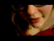 Очкастая толстуха в видео строчит любительский минет с окончанием в рот