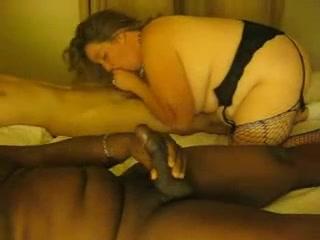Белая толстуха для домашнего секса выбрала негра с большим чёрным членом