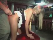 Фигурная блондинка в домашнем видео отдалась ненасытному поклоннику