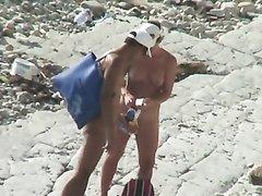 Секс русской пары на пляже снимет на любительское видео поклонник подглядывания
