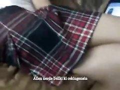 В анальном видео турчанка после ласковых слов согласилась на анальное проникновение