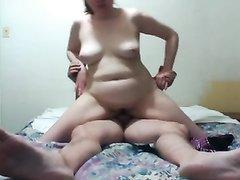 Зрелая толстуха пригласила любовника для анального секса втроём с мужем