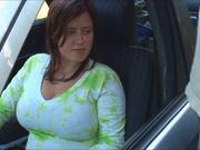 Пышная авто леди в любительском видео сосёт член для окончания на большие сиськи