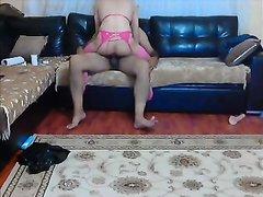 Турчанка в розовых чулках в домашнем видео трахается перед скрытой камерой