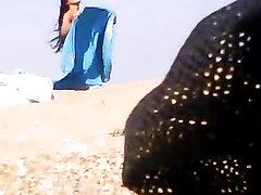 Нудистский пляж идеальное место для подглядывания и съёмки любительского видео