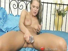 Обычная и анальная мастурбация с секс игрушкой от молодой любительницы самоудовлетворения