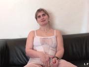 Зрелая французская домохозяйка в анальном видео отдалась в рабочую попу